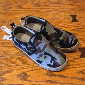 NWOT Girls Sneakers